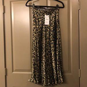 NEW Zara leopard print midi skirt